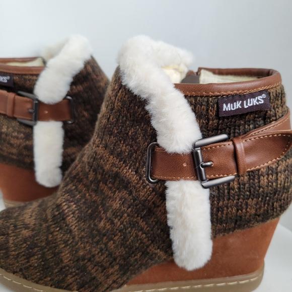 MUK LUKS Womens Marie Wedge Heel Boots